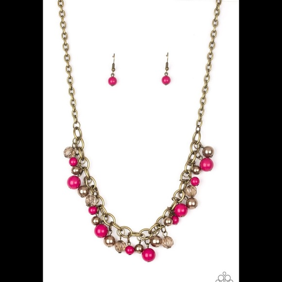 ✨3 for $10✨ Brass and pink necklace